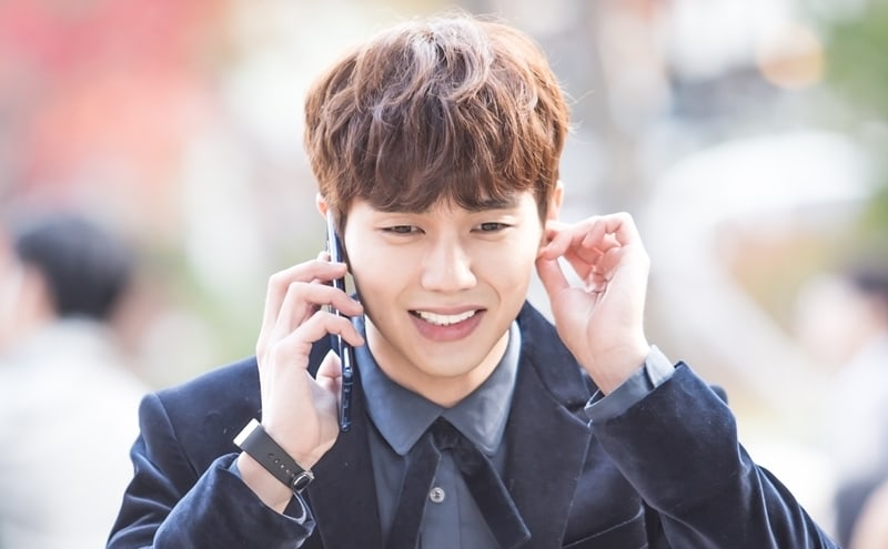 Yoo seung ho shows depth of his emoting during a single phone call yoo seung ho shows depth of his emoting during a single phone call in shes not a robot stills kdrama fandom thecheapjerseys Gallery