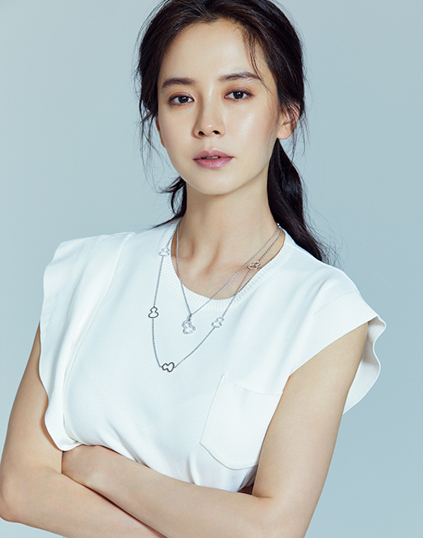 Song Ji-hyo considers lonely careerwoman role in tvN drama
